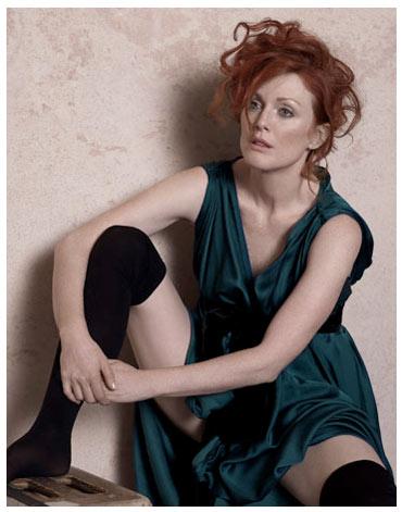 Julianne-moore-harpers-bazaar-may-2008-peter-lindbergh-seated-woman-with-bent-knee