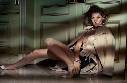 Gisele-bundchen-byJacquesDequekerVogueBrazilOct2010-StyledByDanielUeda-BeautyLiliFerraz-FashionEditor-GiovanniFrasson-2