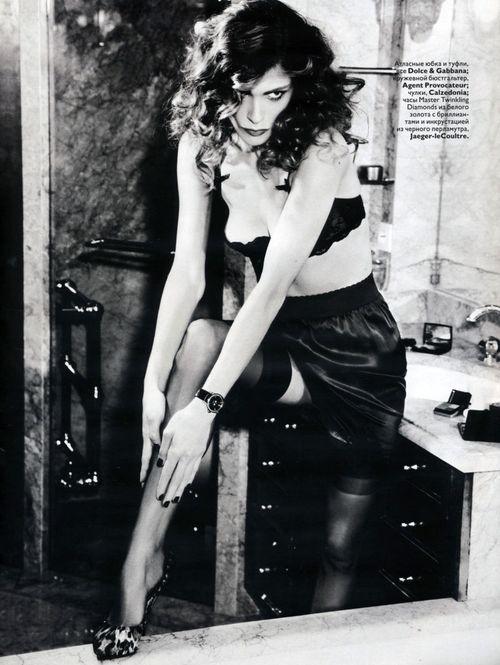 ElisaSednaoui-Vogue RussiaDecember2010editionEllenvonUnwerth-1