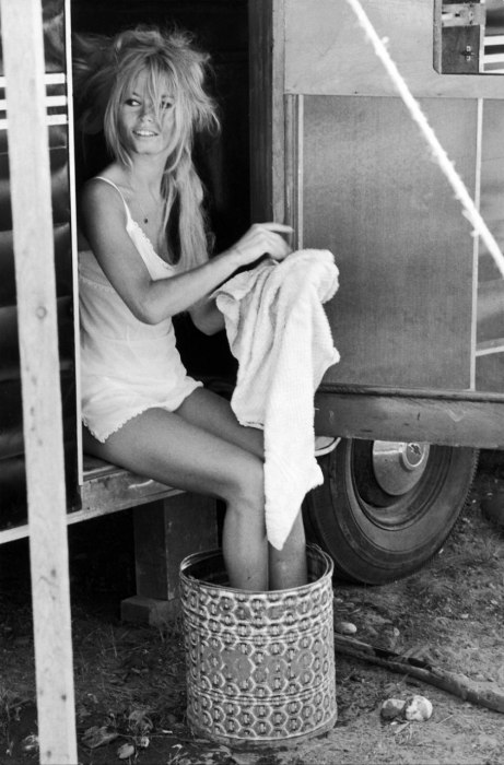 Brigitte+bardot+foot+bath