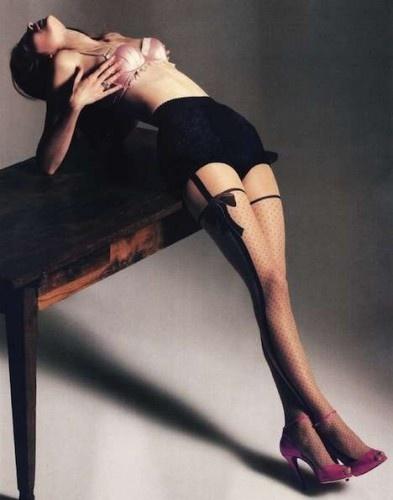 Bow garter